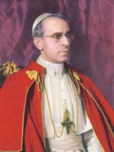 """<a href=""""die-paepste#papapioxii/"""" title=""""Der heilige Papst Pio XII., der Große"""">Der heilige<br> Papst Pio XII., der Große<i><br>Pastor Angélicus</i><br><br>Mehr"""